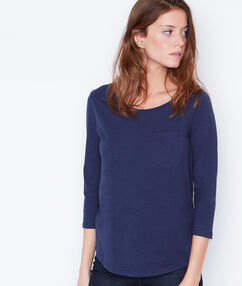 T-shirt manches 3/4 à col rond bleu marine.