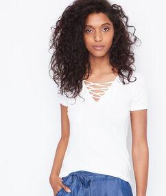 Short sleeves top white.
