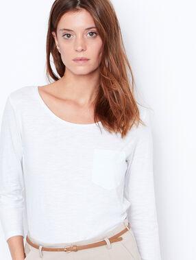 T-shirt manches 3/4 à col rond blanc.