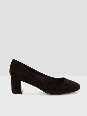 Block heeled court shoes black.