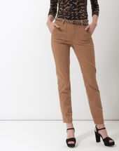 Denis 7/8 length camel trousers with large combat-style pockets caramel.