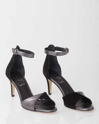 ZOELIE dual-fabric black pumps (1) - 1-2-3