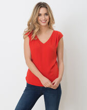 Neptune red t-shirt red.