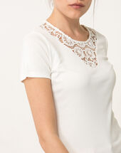 Nastasia ecru t-shirt with lace neckline ecru.