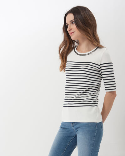 Line T-shirt with jewelled neckline (1) - 1-2-3