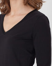 Nacre black t-shirt with 3/4 length sleeves black.