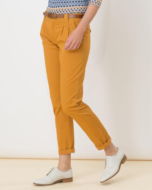 Pantalon carotte ocre avec ceinture Diane (2) - 1-2-3