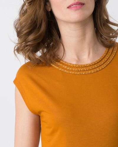 Natte ochre T-shirt with braided neckline (2) - 1-2-3