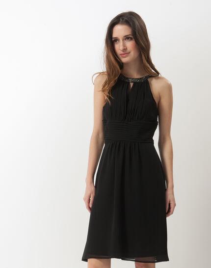 Scarlet bis black dress with Swarovski-embellished neckline PhotoZ | 1-2-3