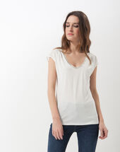 Nova ecru t-shirt with beaded neckline ecru.