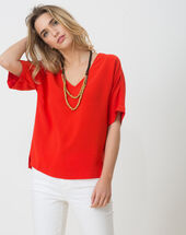 Ellen red shirt with necklace red.