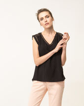 Eden black blouse black.