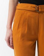 Pantalon ocre coupe carotte douguy ocre.