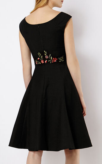 Karen Millen, FLORAL EMBROIDERY DRESS Black/Multi 3