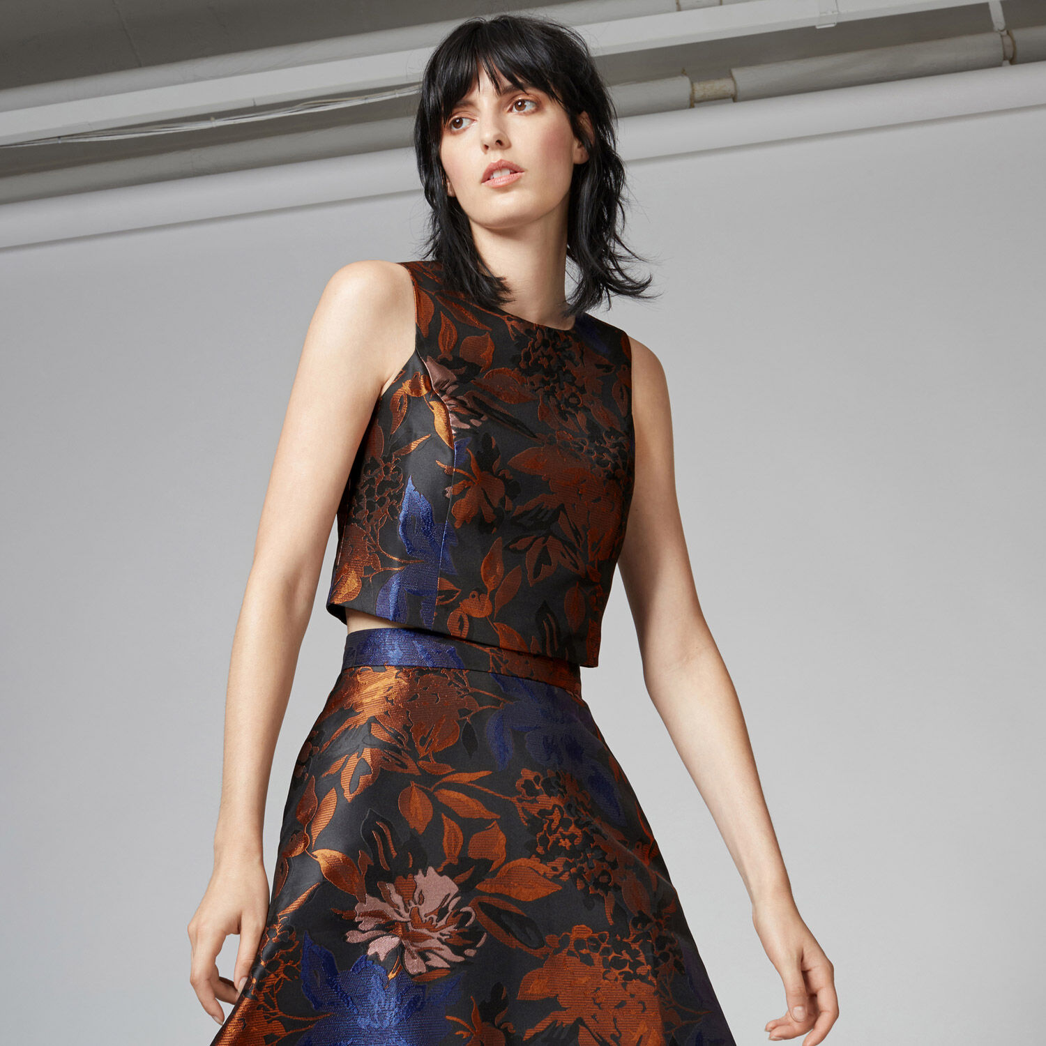 Warehouse, FLORAL JACQUARD TOP Black Pattern 1