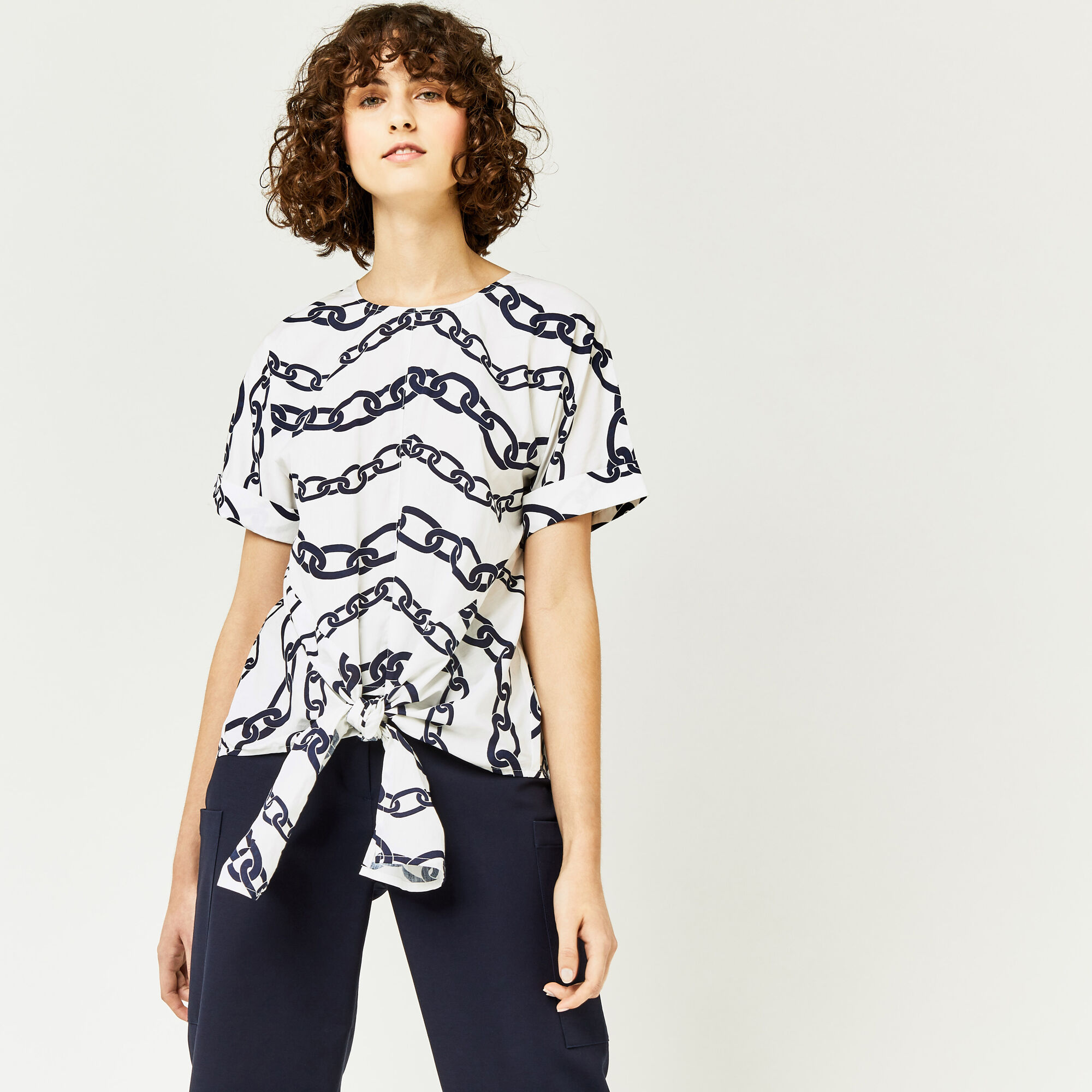Warehouse, CHAIN PRINT TIE FRONT TOP Neutral  Print 1