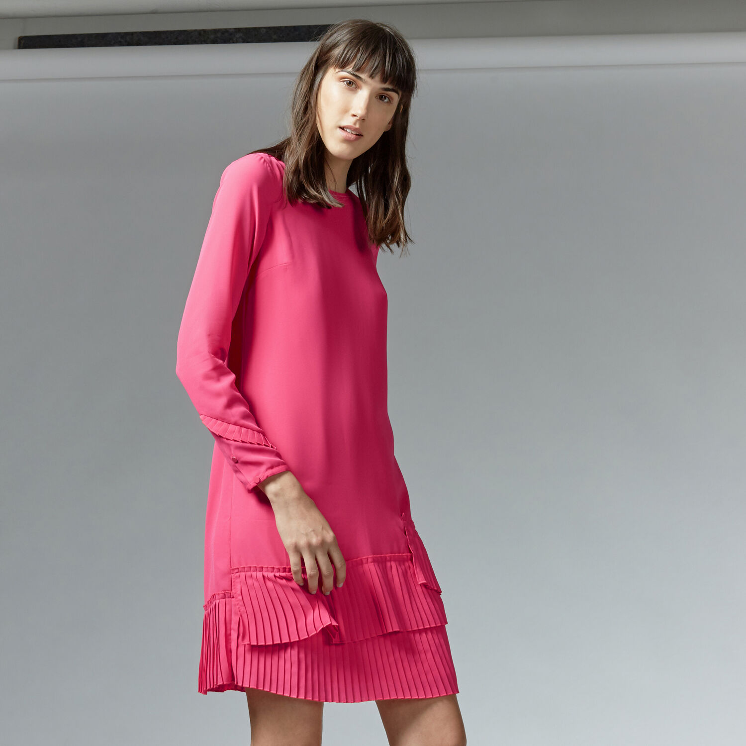Warehouse, PLEATED HEM SHIFT DRESS Bright Pink 1