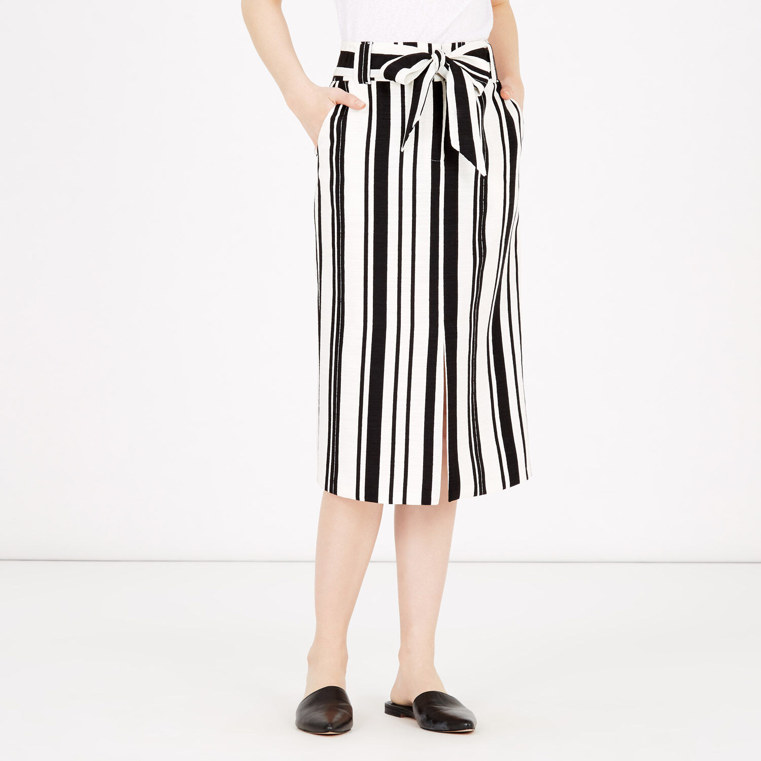 Warehouse, TEXTURED STRIPE PENCIL SKIRT Black Stripe 1