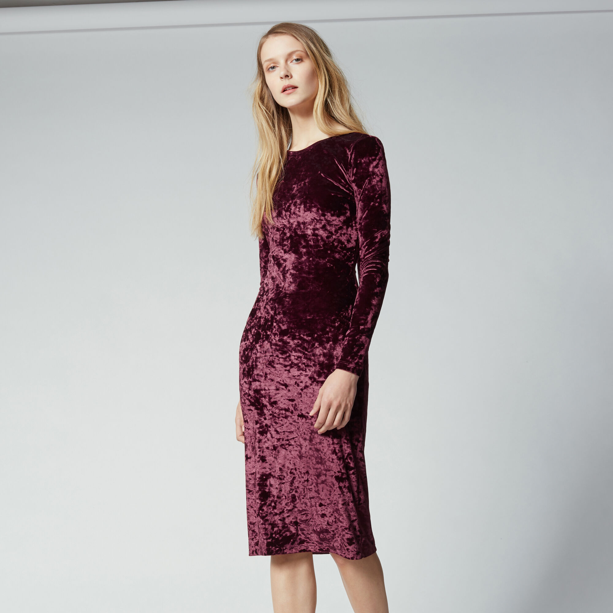Warehouse, VELVET BODYCON DRESS Berry 1
