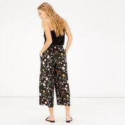 Warehouse, Scatter Floral Culotte Black Pattern 3