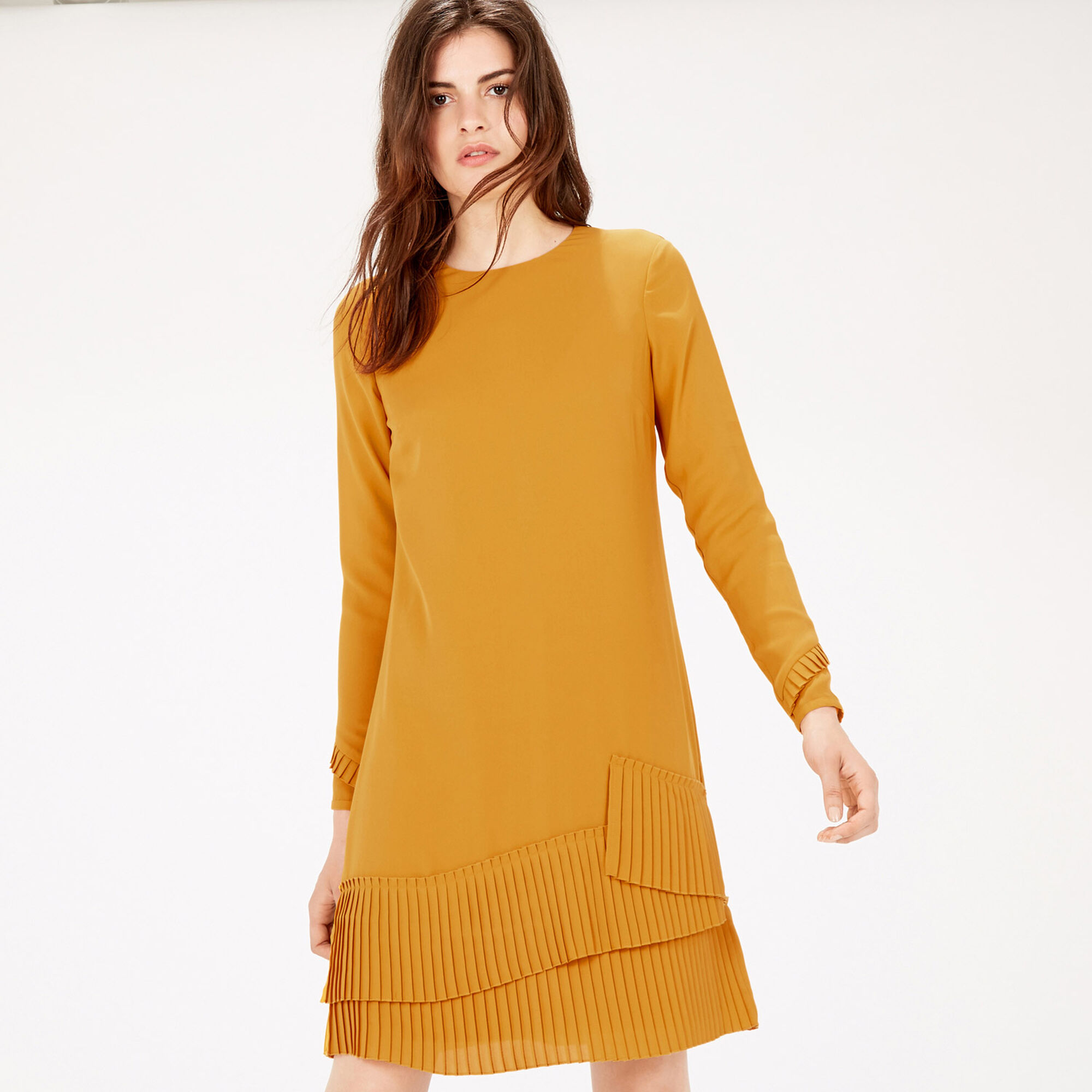 Warehouse, PLEATED HEM SHIFT DRESS Mustard 1