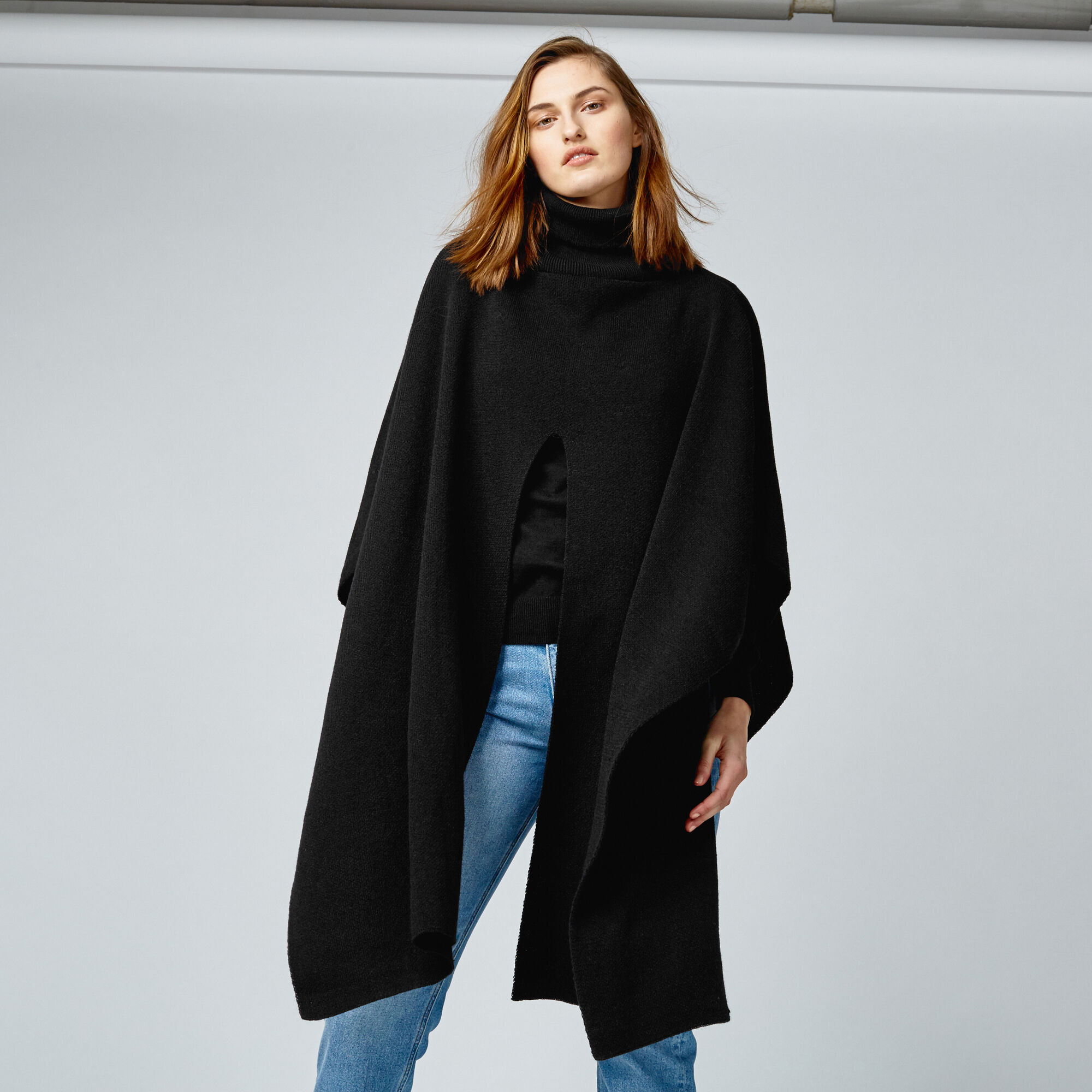 Warehouse, SPLIT FRONT PONCHO Black 1