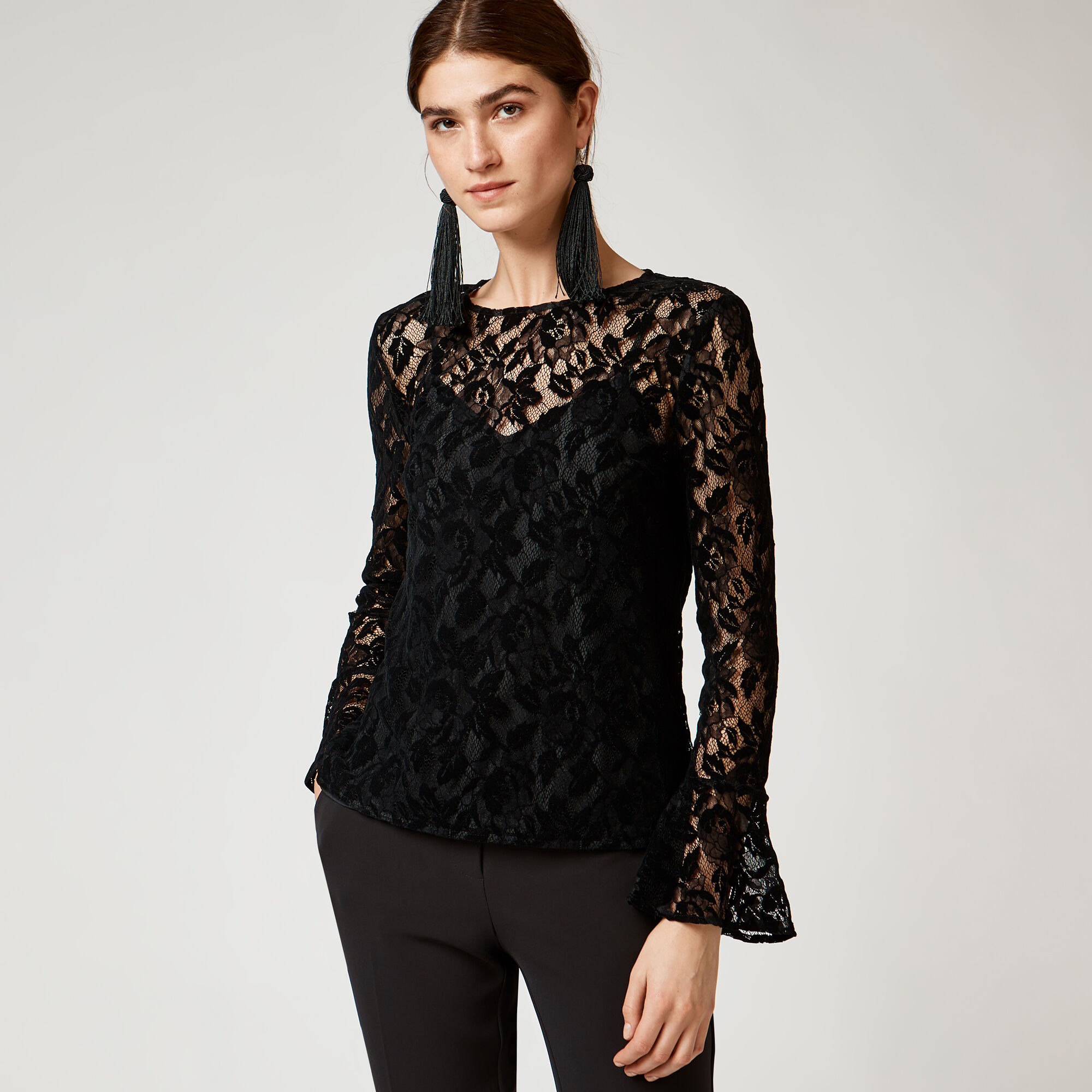 Warehouse, VELVET LACE TOP Black 1
