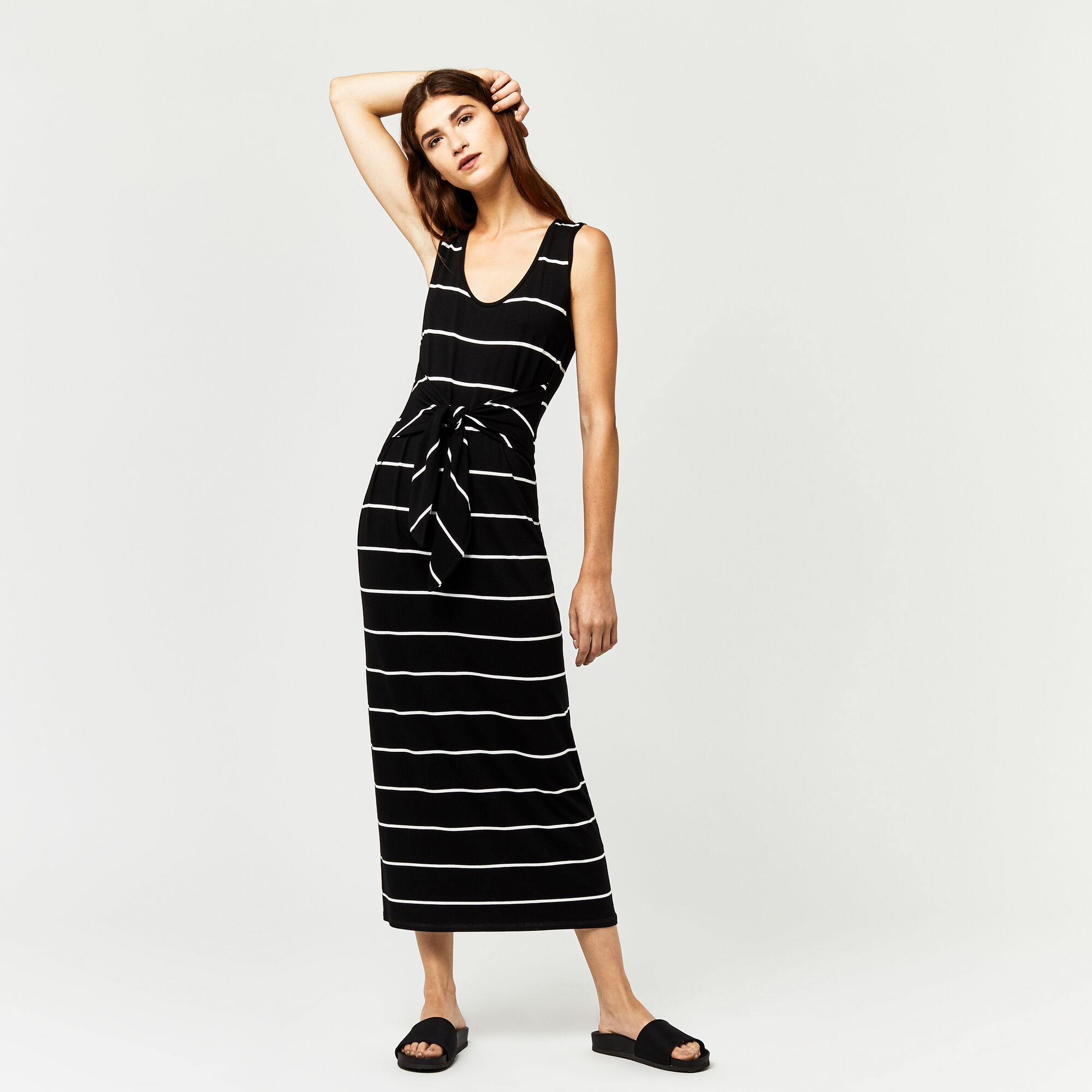 Warehouse, STRIPE TIE FRONT MAXI DRESS Black Stripe 1