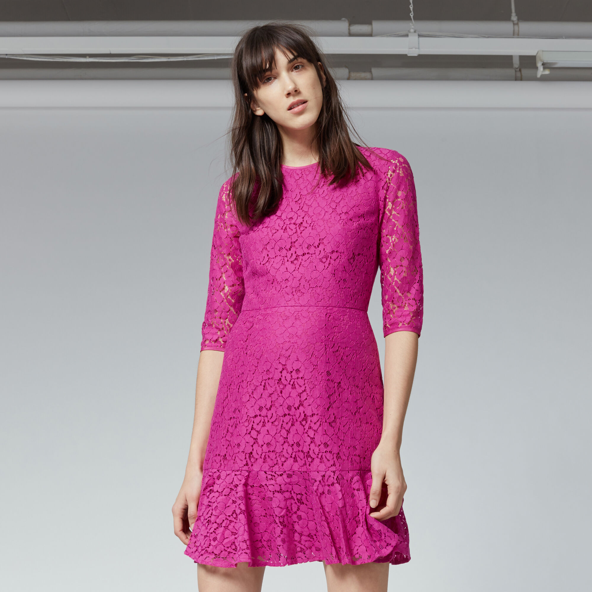 Warehouse, LACE PEPLUM SLEEVE DRESS Light Pink 1