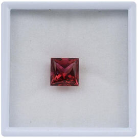 Blazing Red Topaz (Sqr 10 mm Princess Cut 2A) 5.610 Ct.