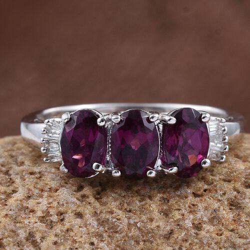 Rare Mozambique Grape Colour Garnet (Ovl 1.45 Ct), Diamond Ring in Platinum Overlay Sterling Silver 1.500 Ct.