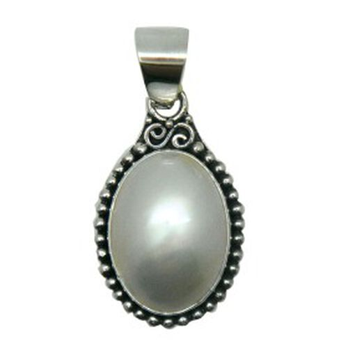 White Mabe Pearl  Sterling Silver Pendant  5.300  Ct.