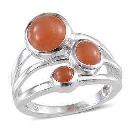 Mitiyagoda Peach Moonstone (Rnd 2.25 Ct) 3 Stone Ring in Platinum Overlay Sterling Silver 3.650 Ct.