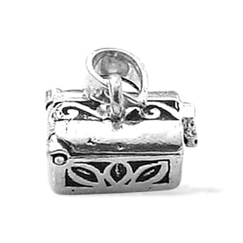 Sterling Silver Treaser Chest Openable Charm Pendant, Silver wt 3.71 Gms.