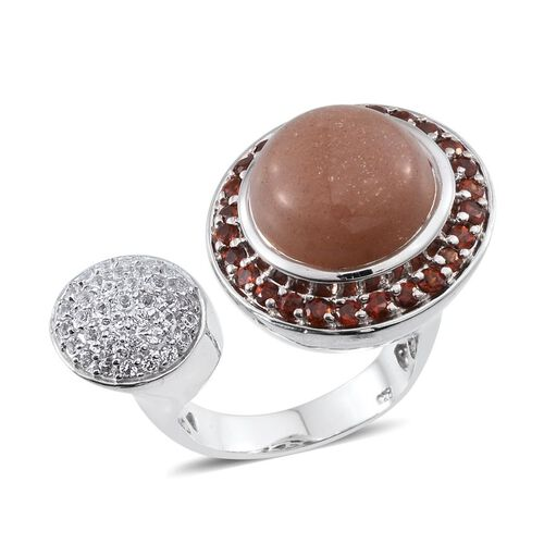 Morogoro Peach Sunstone (Rnd 11.00 Ct), Mozambique Garnet and White Topaz Ring in Platinum Overlay Sterling Silver 13.000 Ct.