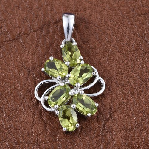 AA Hebei Peridot (Ovl) Pendant in Platinum Overlay Sterling Silver 2.750 Ct.