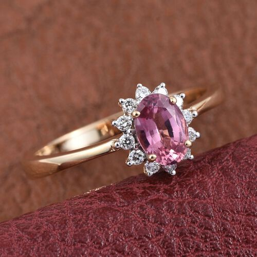 ILIANA 18K Yellow Gold Padparadscha Sapphire (Oval 0.85 Ct), Diamond (SI G-H) Engagement Ring 1.000 Ct.