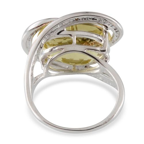 Brazilian Green Gold Quartz (Ovl 10.00 Ct), Yellow Diamond Ring in Platinum Overlay Sterling Silver 10.030 Ct.