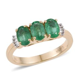 ILIANA 18K Yellow Gold 1.25 Carat AAA Boyaca Colombian Emerald Oval Trilogy Ring with Diamond SI G-H.