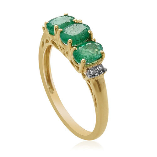 Boyaca Colombian Emearld (0.96 Ct) and Diamond 9K Y Gold Ring   1.020 Ct.