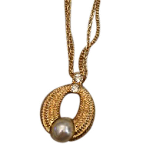 Simulated  Pearl and Swarovski Crystal Pendant with Chain (Size 18) in Gold Tone