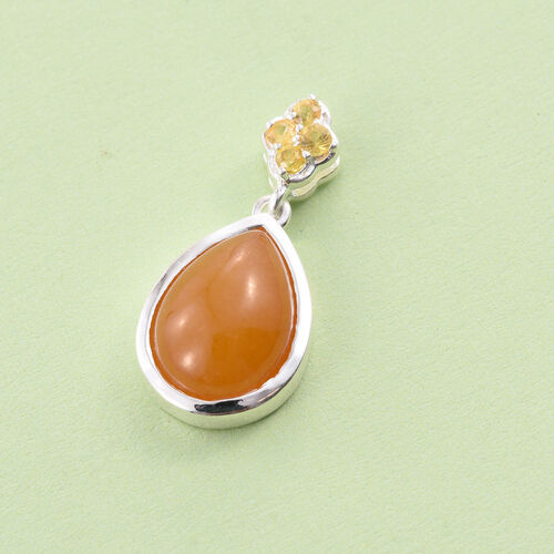 Yellow Jade (Pear 6.25 Ct), Yellow Sapphire Pendant in Sterling Silver 6.500 Ct.