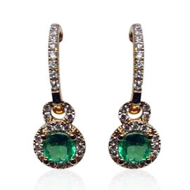 ILIANA 18K Y Gold AAAA Boyaca Colombian Emerald (Rnd), Diamond (SI/ G-H) Earrings (with Clasp) 1.25 Ct.