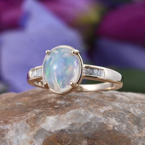 9K Y Gold Ethiopian Welo Opal (Ovl 2.10 Ct), Diamond Ring 2.250 Ct.