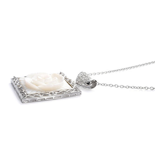Hand Carved Shell Pendant With Chain in Silver Tone 11.000 Ct.