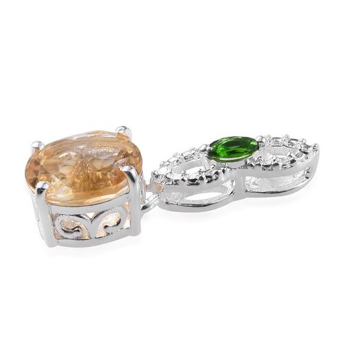 Citrine (Ovl 1.70 Ct), Russian Diopside Pendant in Sterling Silver 1.750 Ct.