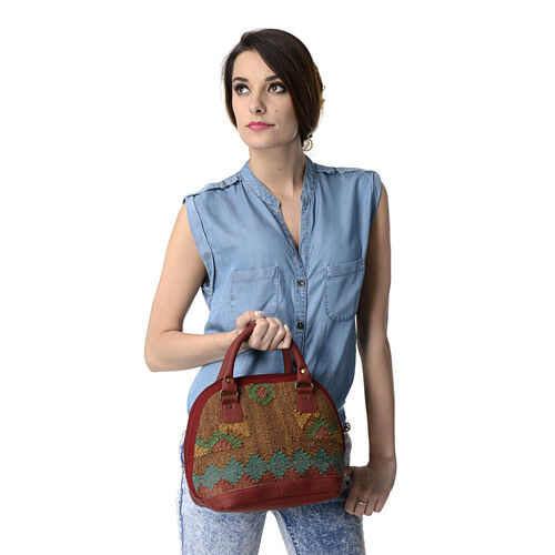 Maroon Colour Handbag Made of Kilim Rugs with an Internal Mobile Pocket (Size 33.5x23.5 Cm)