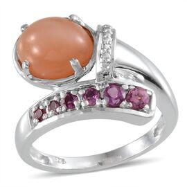 Mitiyagoda Peach Moonstone (Ovl 3.00 Ct), Rhodolite Garnet Ring in Platinum Overlay Sterling Silver 3.600 Ct.