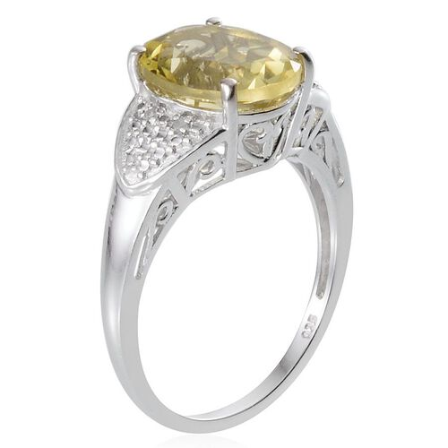 Brazilian Green Gold Quartz (Ovl 4.25 Ct), Diamond Ring in Platinum Overlay Sterling Silver 4.270 Ct.