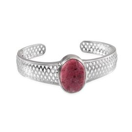 Norwegian Thulite (Ovl) Cuff Bangle (Size 7.5) in ION Plated Platinum Bond 28.000 Ct.